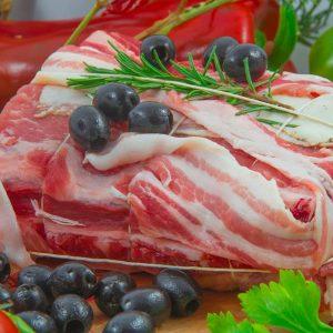 Arista di maiale ripiena con olive m